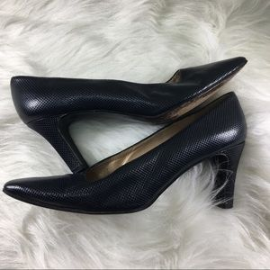 Stuart Weitzman Shoes - Navy blue snakeskin Stuart Weitzman pump/high heel